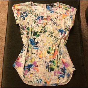 Express floral top size large